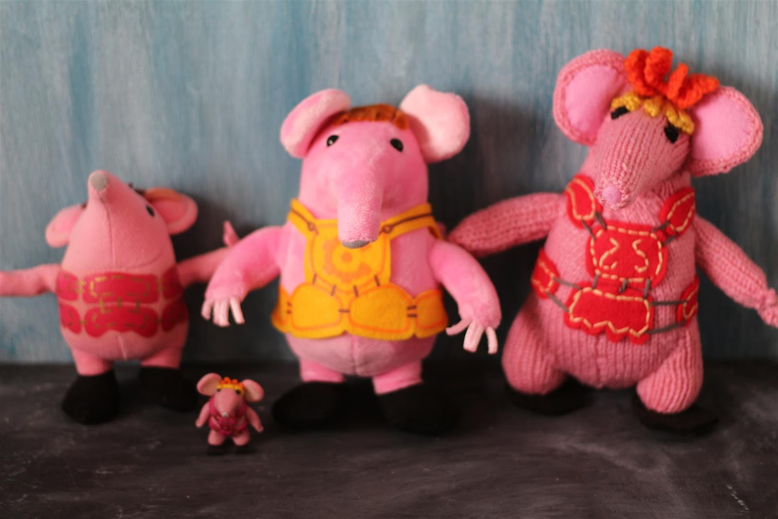 Beautiful The Clangers Knitting Pattern Sketch - Blanket Knitting ...