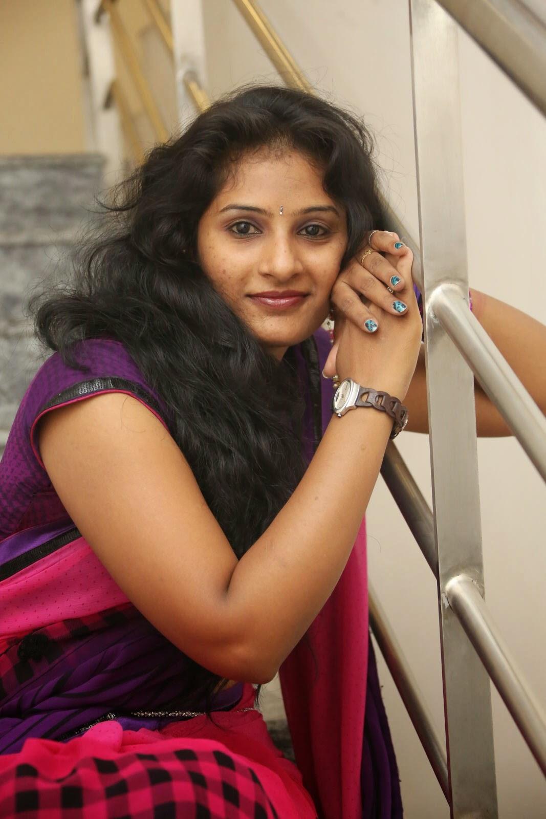 Madhavi latest glamorous stills-HQ-Photo-9