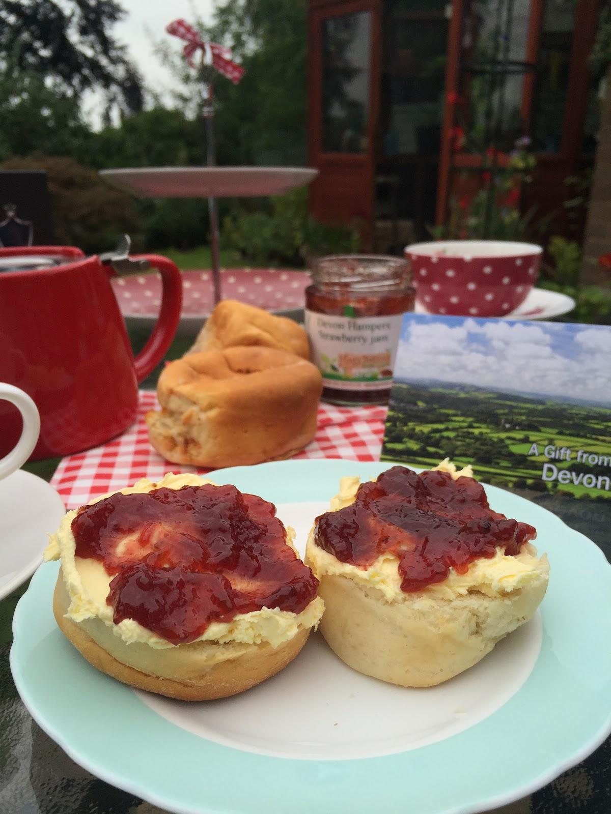 how to make cream tea in devon