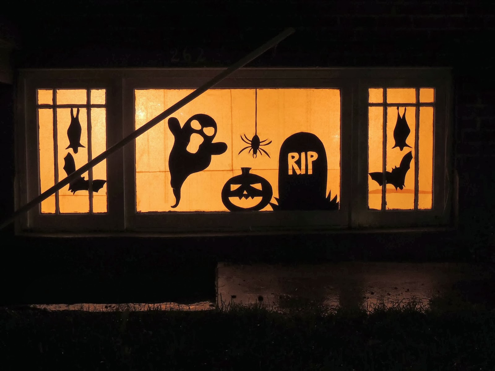 jessica mae: diy-halloween window silhouettes