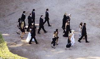 Few PicTures Of Kim Kardashians Wedding! 5