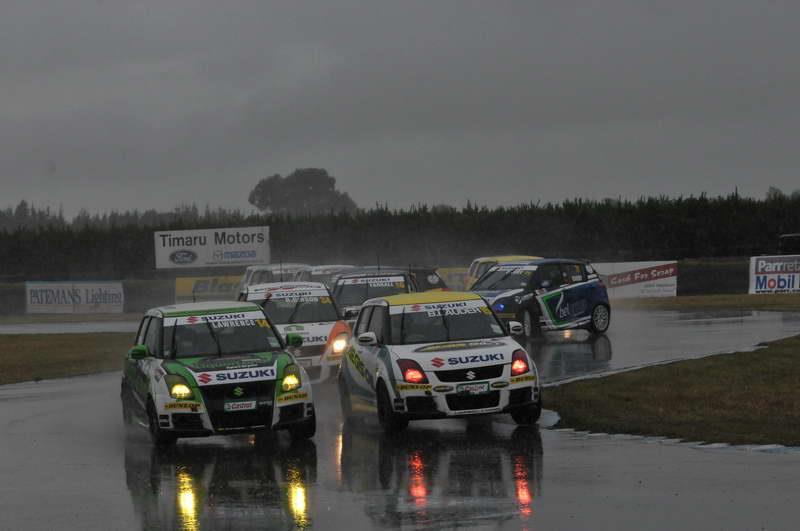 New Zealand Suzuki Swift Sport Cup, wyścig, w deszczu