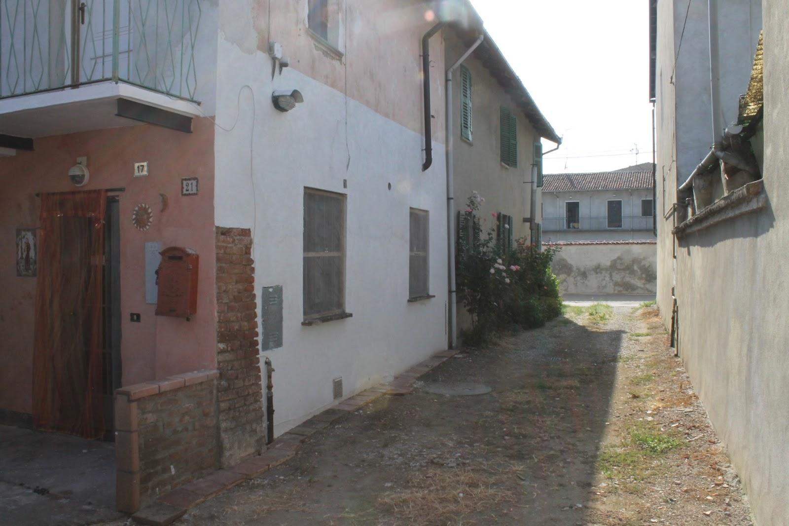 Stupore quotidiano casa di 80mq in vendita a caresana for Piani di casa artigiano rustico