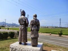 蛭ヶ小島頼朝・政子像