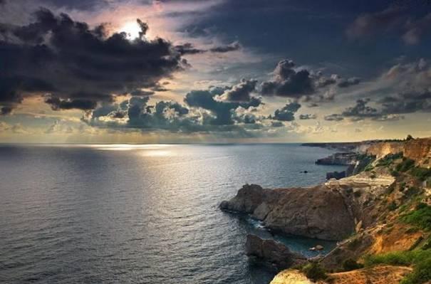 صور رائعه لجمال السماء وصفاء الماء image050-777596.jpg