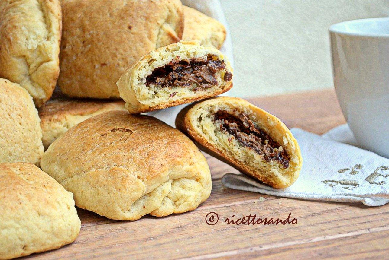 Saccottini dolci brioches al cioccolato ricetta lievitati