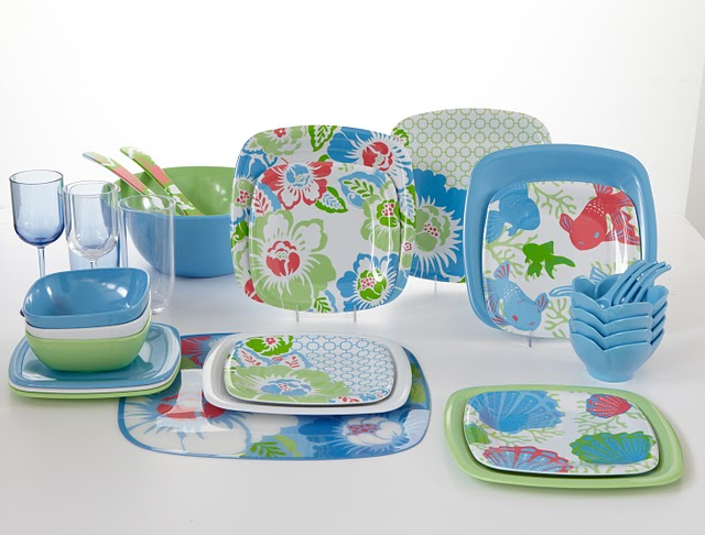 Beautiful tableware spring designs for the uber cool. Love the blue and green!! & Home Christmas Decoration: Inspiration : Summer Picnic
