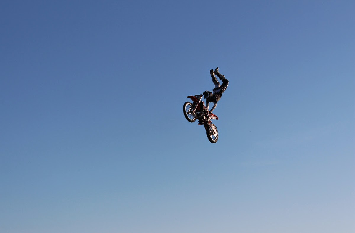 MOTOCYCLE STUNTS