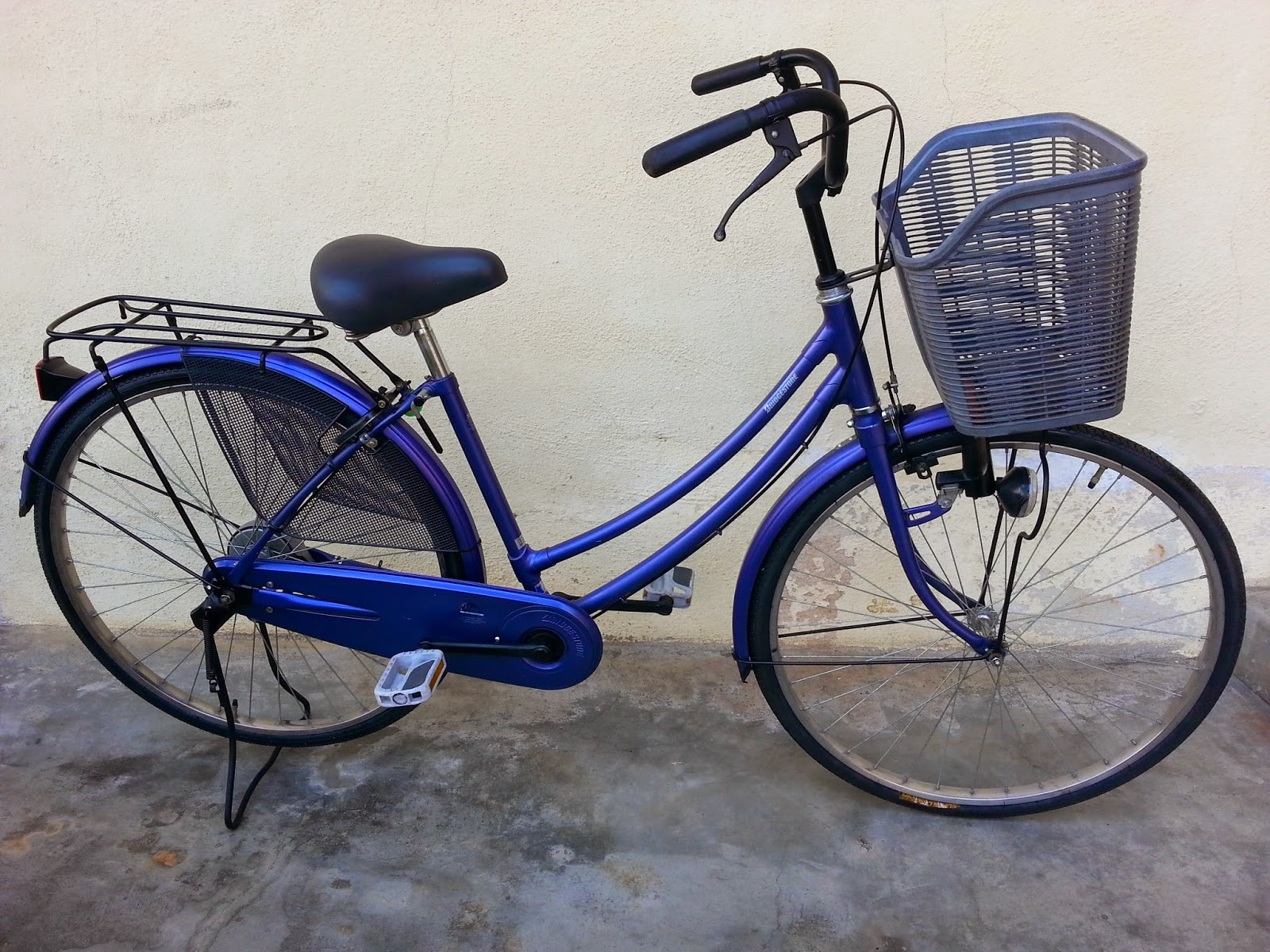 The Right Bike Store 26 Imported Used Classic City Bicycle From
