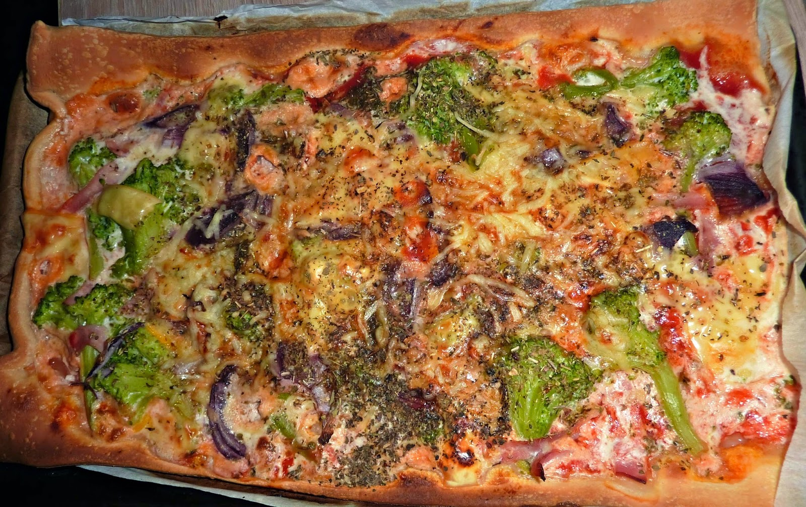 pizza-allegee-jambon-brocoli-emmental-alessaknox.be