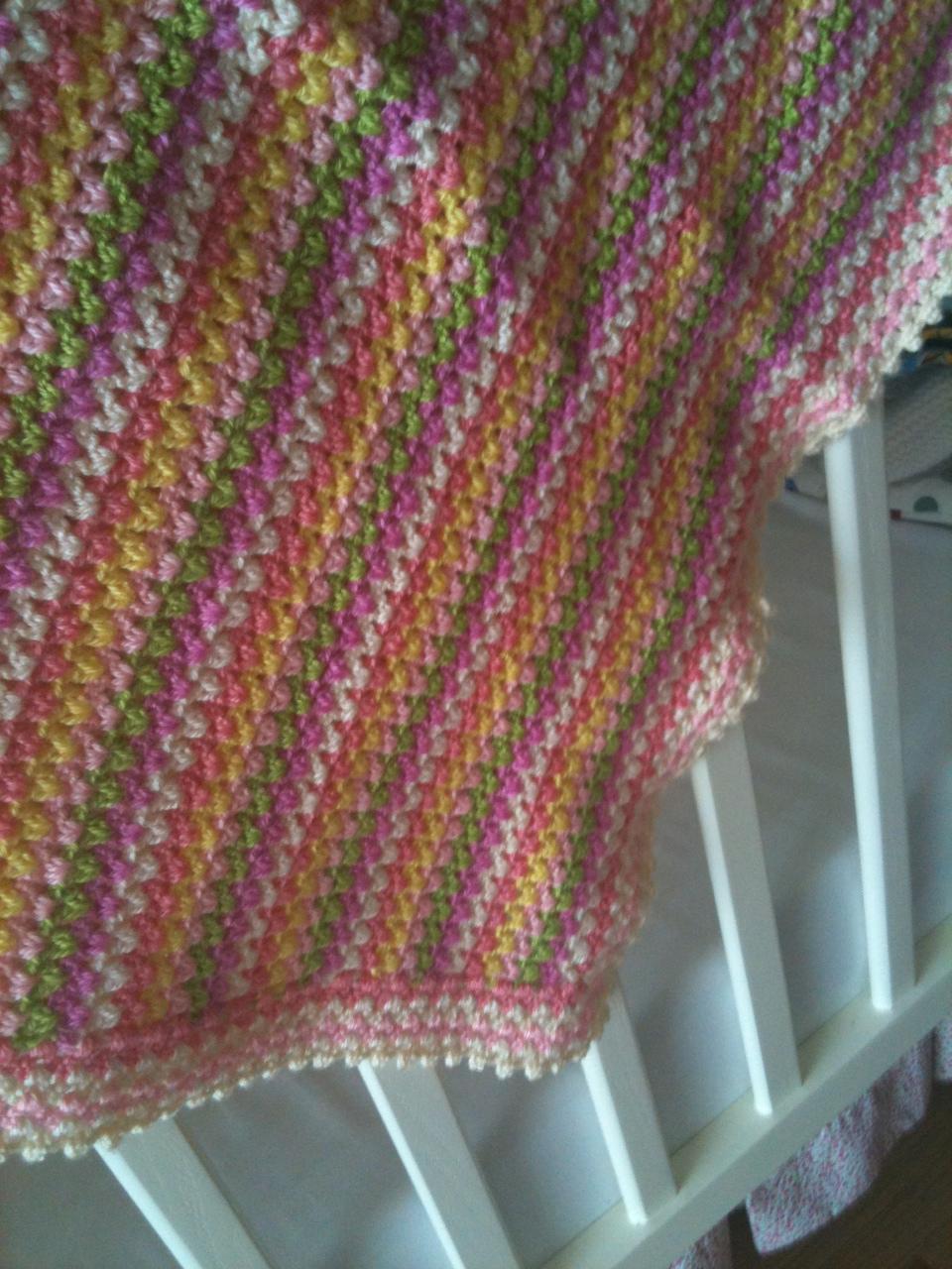 Bebek battaniyesi modelleri battaniyeleri car pictures - Bir Kismi Tarzimizi Yansitmaz Kullanamayiz Bir Kismi Ise Cok Buyuk Olur Nereye Koyacagimizi Bilemeyiz Hele Bebek Arabasi Ile Bir Yere