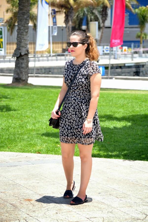 look_outfit_con_vestido_flores_menorquinas_nudelolablog_05