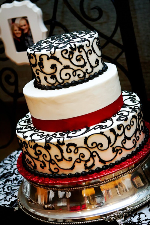 Regal, black, white and red wedding cake