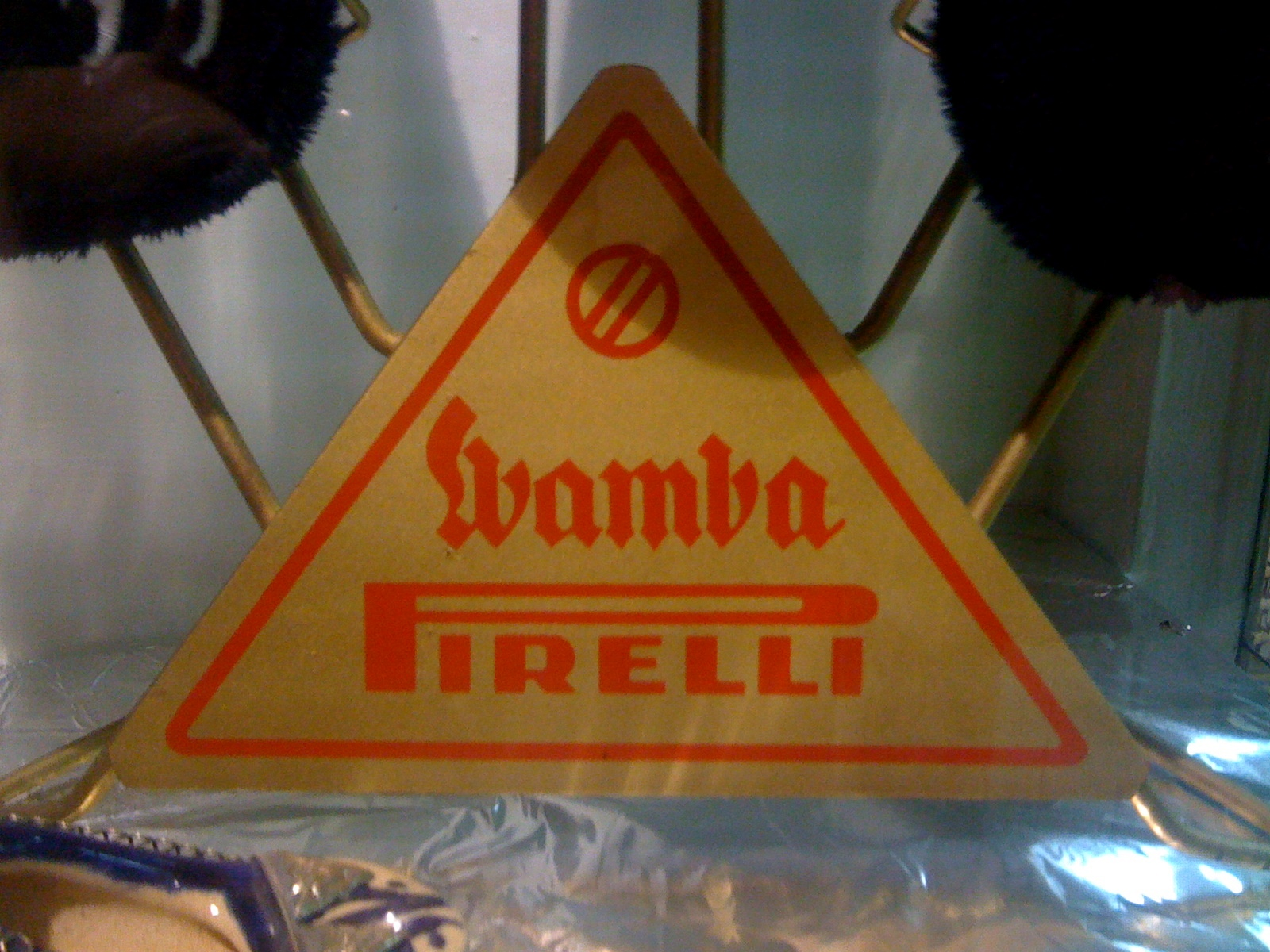 http://3.bp.blogspot.com/-_K19839admM/TyrzJVx_yII/AAAAAAAADOk/yqfRycemRz4/s1600/pirelli+wamba+001.jpg