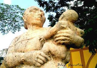 Monumento Dedicado Madre Conkal Yucatan