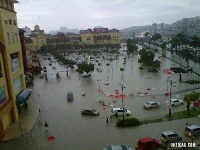 Banjir Kilat Di IOI Mall