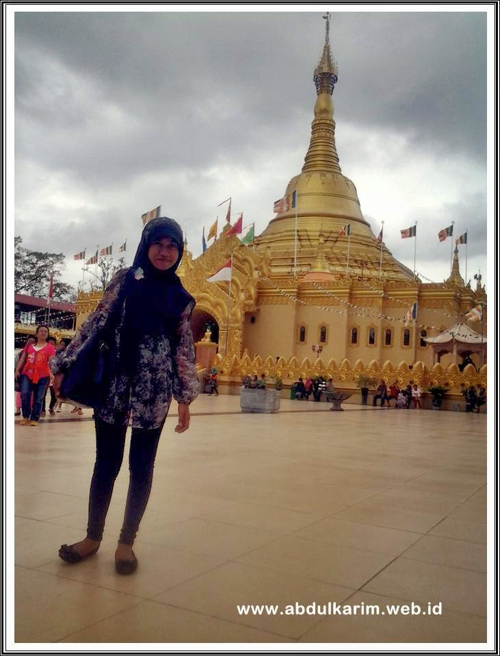 Pagoda Emas Berastagi