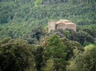 El Castell de Sant Climent de L'Espunyola des de la cruïlla de l'església de Sant Climent