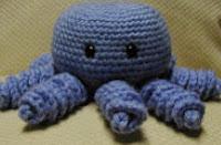 http://translate.googleusercontent.com/translate_c?depth=1&hl=es&rurl=translate.google.es&sl=en&tl=es&u=http://monkeyhousefull.blogspot.com.es/2010/10/kitschy-cute-octopus.html&usg=ALkJrhgqmOH0HtwniH2jpUAzXlur14CNyA
