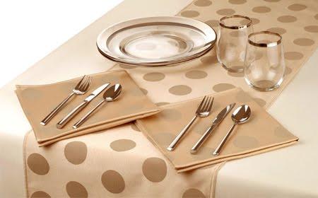 Manualidades julio 2011 for Como hacer caminos de mesa modernos