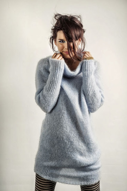 Grey woolen  stylish winter cardigan - winter women inspiration