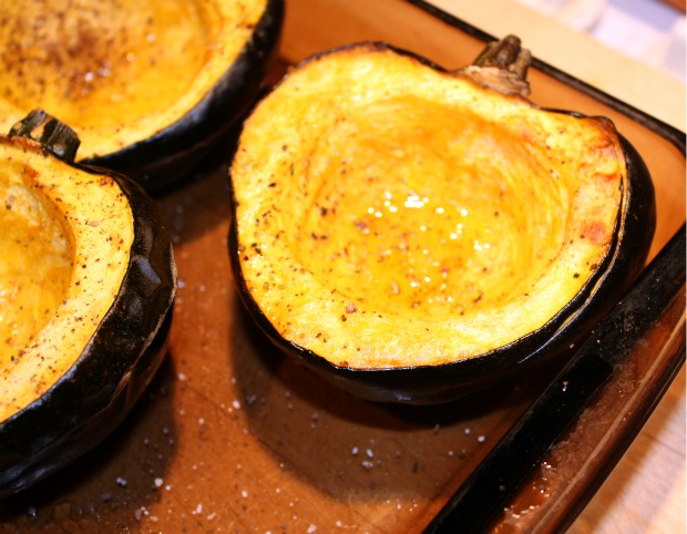 Recipes For Divine Living: Roasted Acorn Squash Soup