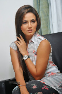Sana-Khan-Latest-Stills