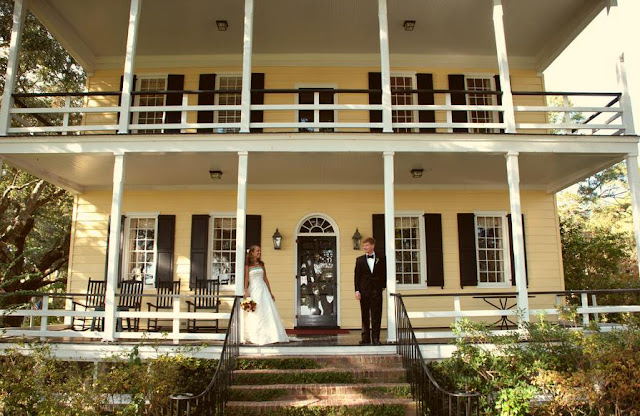 charleston wedding blog, southern weddings, Charleston weddings, myrtle beach weddings, Hilton Head weddings, lowcountry weddings, caf catering, horst wholesale, mikkel page photography, renaissance on Charleston harbor