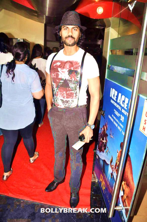 , Bollywood & Tv Celebs At The Premiere Of 'the Dark Knight Rises'