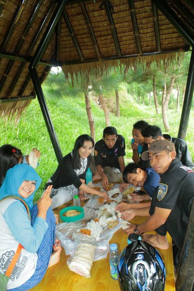Makan bareng Sama Sahabat Di Icakan Ciamis