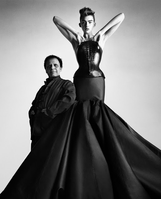Photographs in black and white Alaia by Patrick Demarchelier