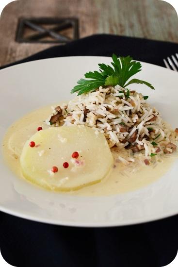 Kohlrabi in zitroniger Sahnesoße mit Champignon-Kräuter-Reis