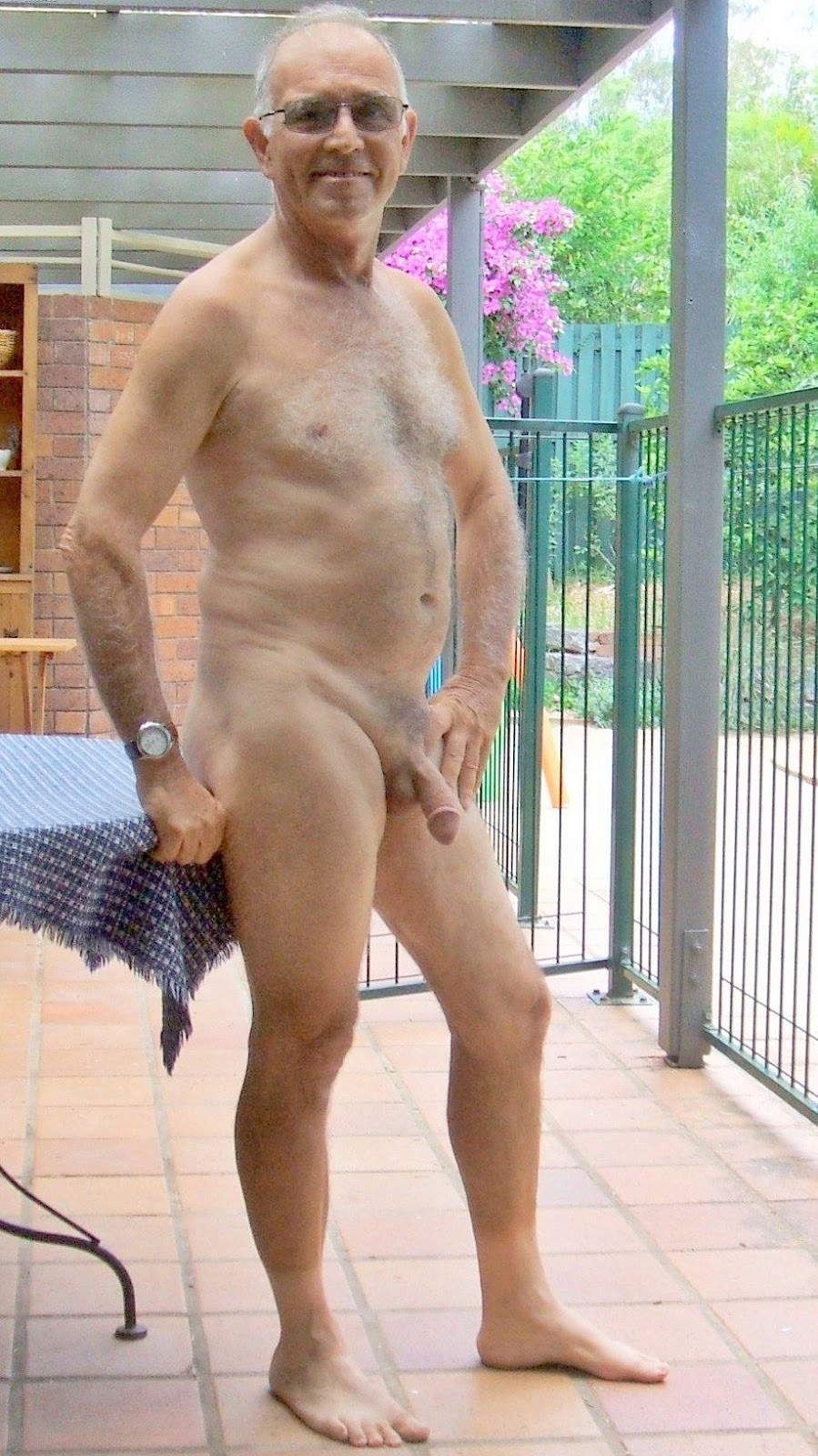 Very old man naked