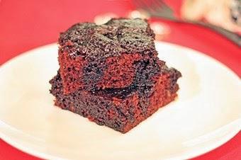 Soslu çikolatalı kek tarifi Yeni