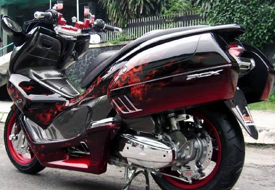 gambar foto modifikasi motor terbaru Honda PCX 4.jpg