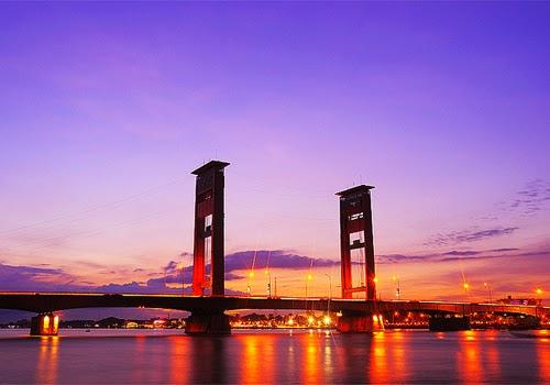 Jembatan Ampera Sungai Musi Salah Satu Objek Wisata Sejarah Di Palembang