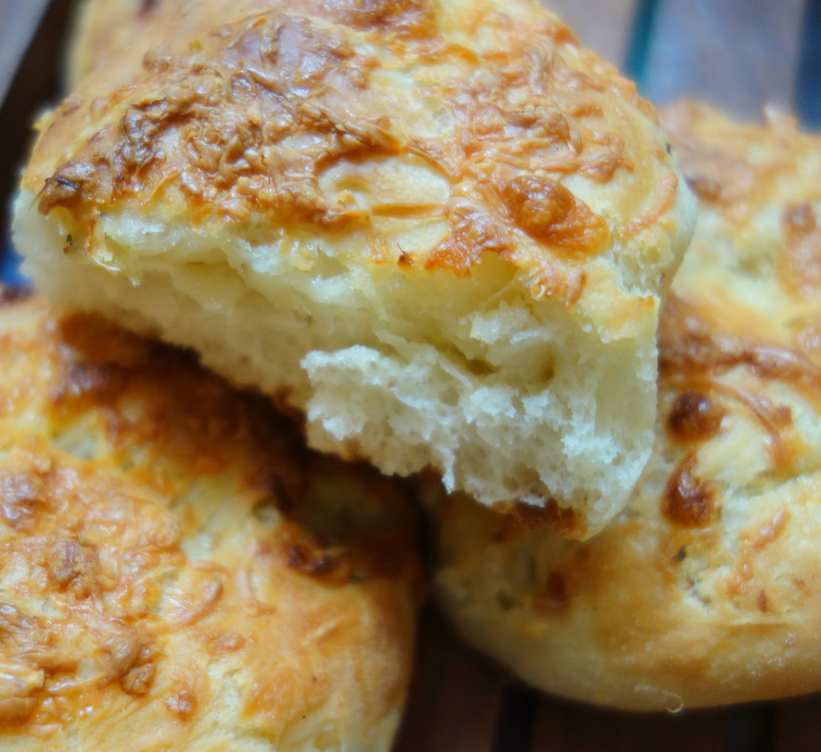 how to make cheese garlic bread on stove