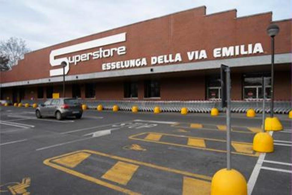 Cerca un lavoro lavoro in esselunga 2000 nuove assunzioni for Supermercati esselunga in italia