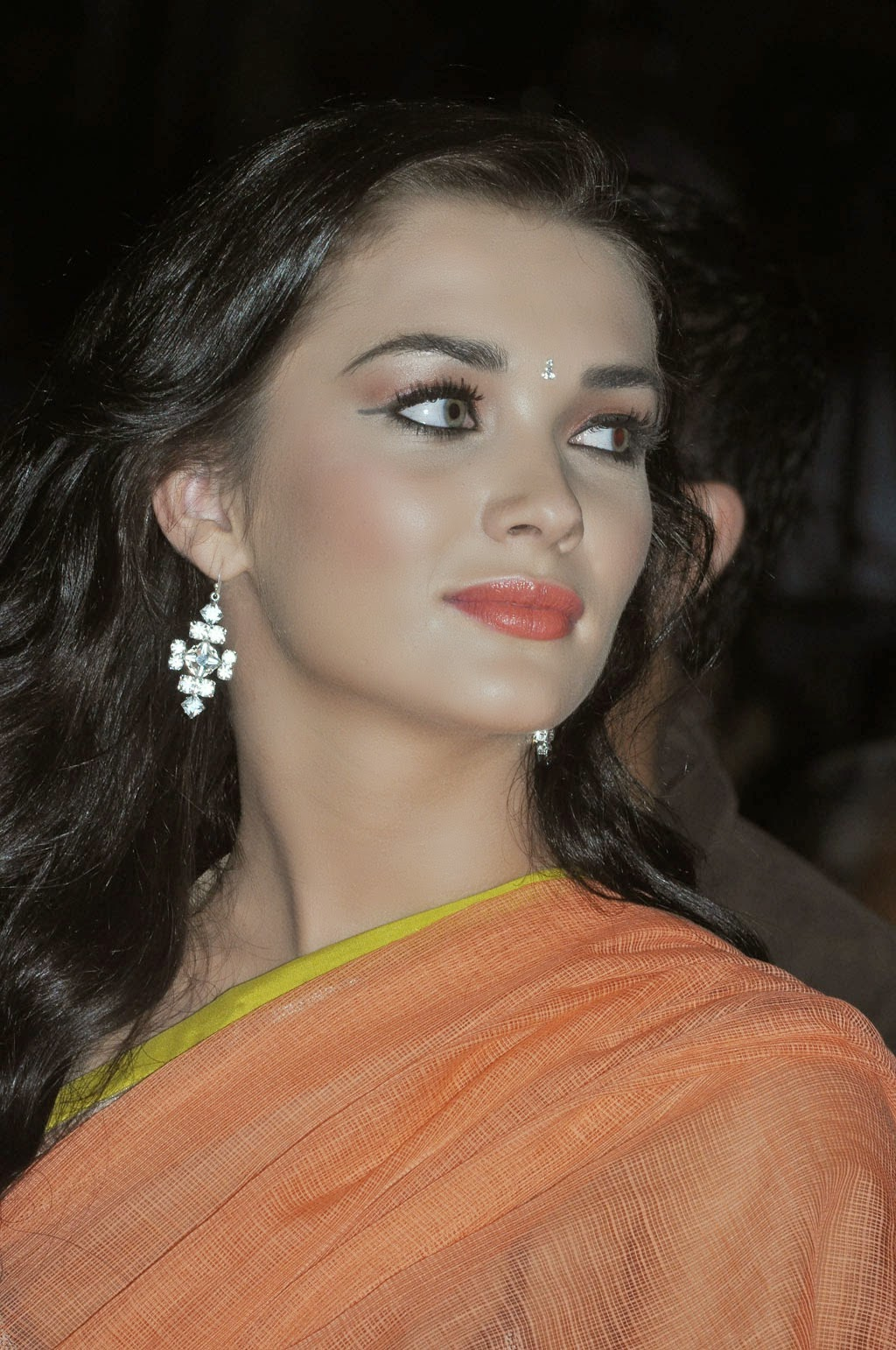 amy jackson cute hd wallpapers