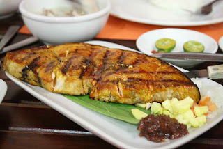 The chef 39 s table grilled blue marlin with mango cucumber for Marlin fish recipes