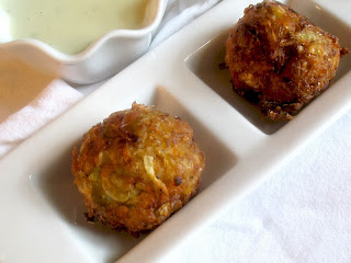 Coleslaw Bites with Jalapeño Dip