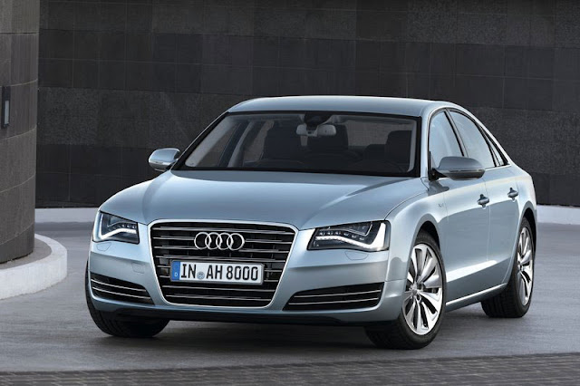 2013 Audi A8 Sedan Grey Wallpaper
