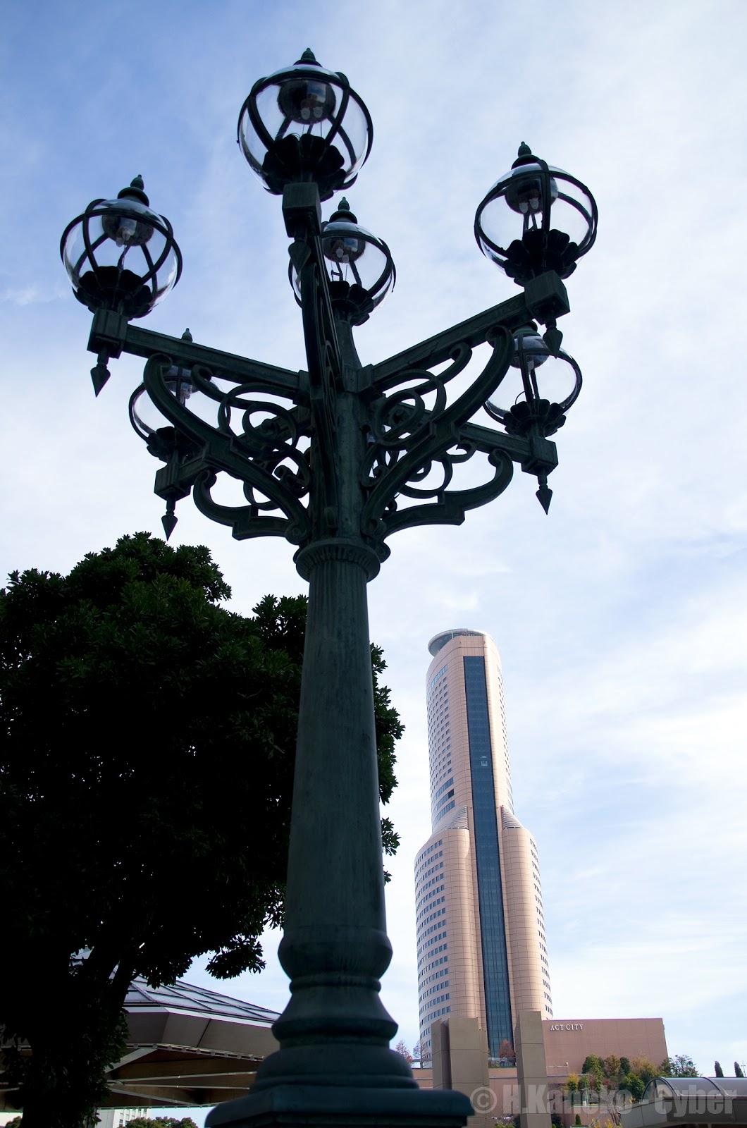 街灯とアクトシティ浜松