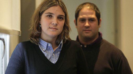 Hijos adoptivos de dueña de CLARIN se someten a examen genético via www.adoptar.blogspot.com