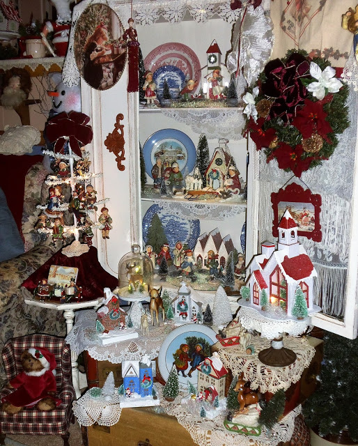 Christmas in the Den, Part 2, Christmas Home Tour, 2106