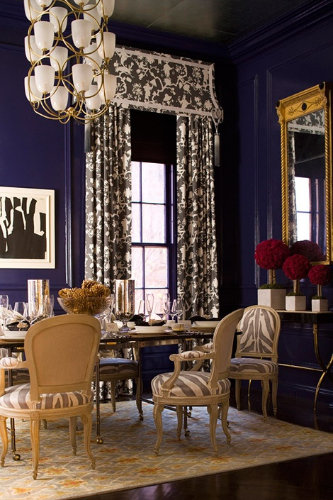 Chinoiserie chic navy blue chinoiserie for Navy blue dining room ideas