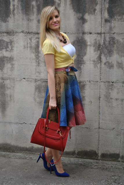 outfit gonnaa vita alta abbinamenti gonna a vita alta gonna a vita alta abbinata a crop top  outfit gonna a ruota outfit midi skirt abbinamenti gonna a ruota come abbinare la gonna a ruota gonna a ruota e crop top mariafelicia magno fashion blogger colorblock by felym mariafelicia magnooutfit crop top come abbinare il crop top abbinamenti crop top outfit borsa rossa come abbinare la borsa rossa outfit scarpe blu come abbinare le scarpe blu abbinamenti scarpe blu outfit estivi outfit estivi donna outfit estate 2015 outfit maggio 2015 how to wear round circle midi skirt midi skirt outfit blue heels outfit red bag outfit how to wear blue heels how to wear red bag summer outfit fashion blog italiani fashion blogger italiane blog di moda blogger italiane di moda fashion bloggers italy bloggers girls blonde hair blondie blonde girls
