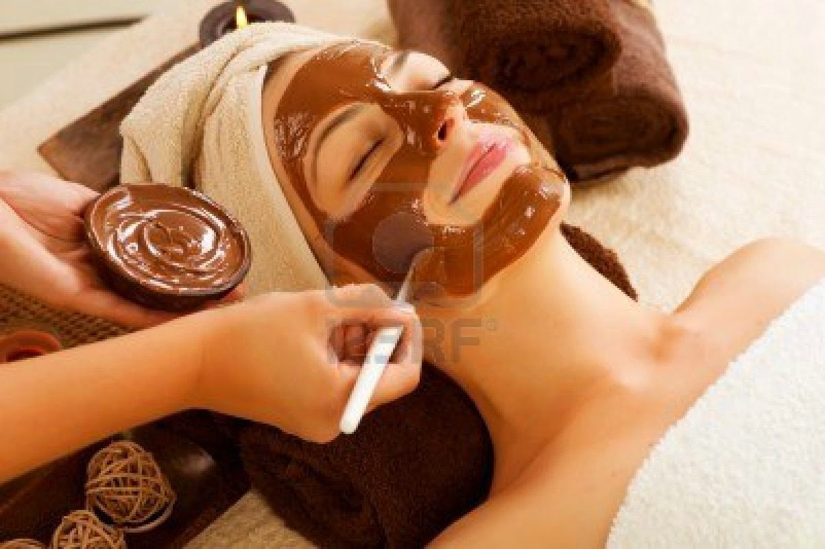 Kırışıklık Giderici Kakao ve Süt Maskesi