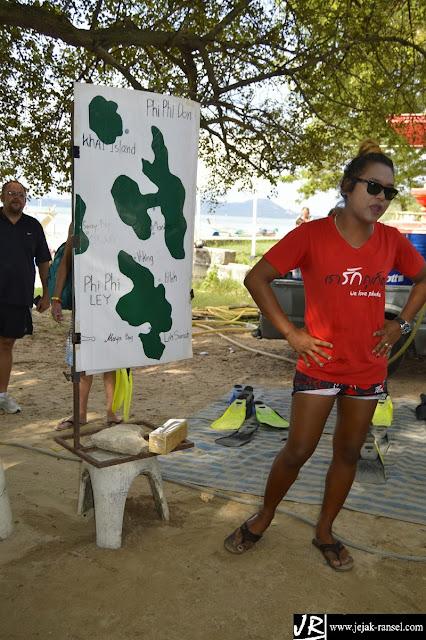 """Phuket Guide Tour Phi Phi"""