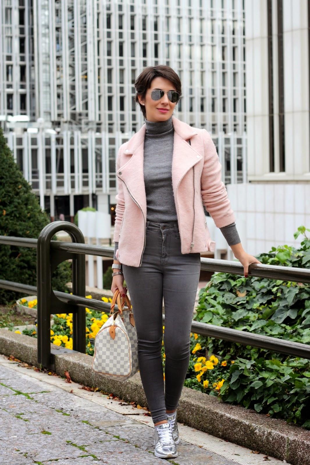 #OHMYLOOK Un outfit en gris y rosa huyendo del negro. - Oh My Blog